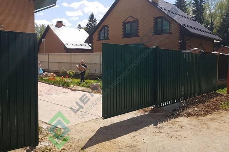 Заборы с откатными воротами под ключ в Лосино-Петровском
